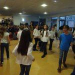 Les enfants dansent